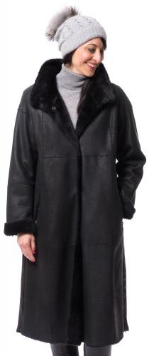 Madita schwarzer Mantel aus Lammfell von CHRIST